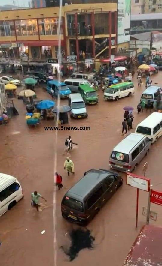 Photos: Kejetia market floods following heavy rains. 54