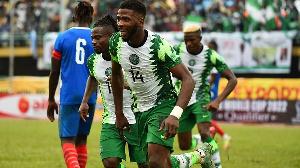 Nigeria's forward Kelechi Iheanacho (C) celebrates with his teammates