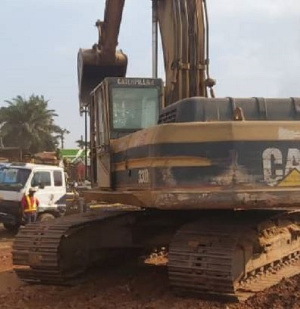 Works are ongoing on the road