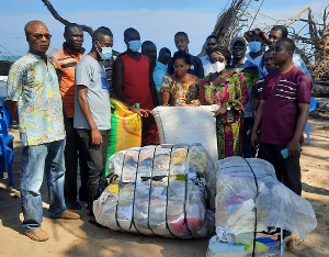 Presented clothing and bags of corn to the affected communities by the MP