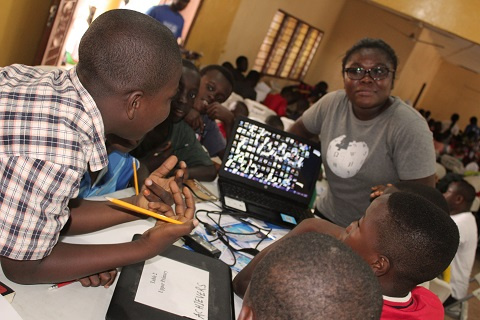 Governments urged to increase girls\' digital literacy