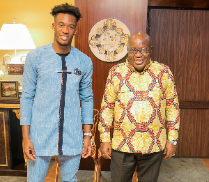Callum Hudson-Odoi with President Nana Akufo-Addo