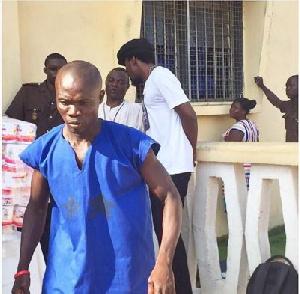 Kwaw Kese donates to Ho Prisons