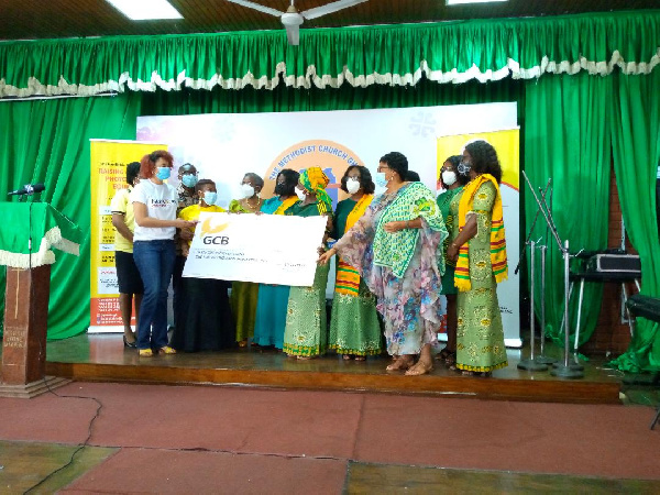 Paediatric Society of Ghana receive support for phototherapy equipment