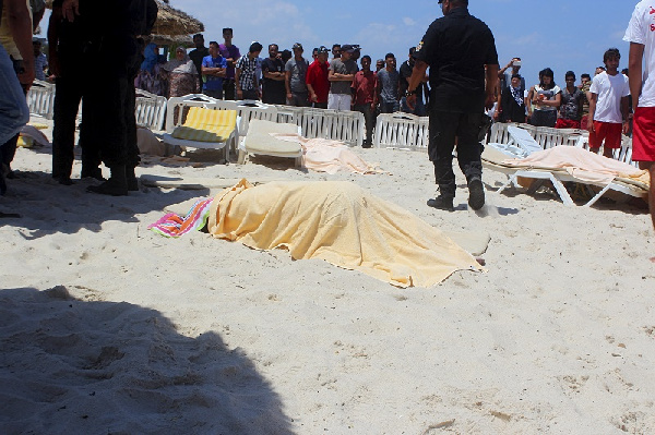 Bodies of the victims on the beach. Photo: Reuters.