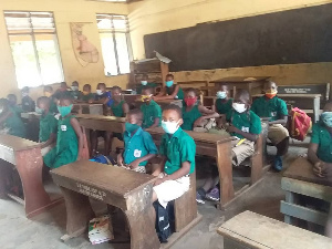 Ho Students Wearing Nose Masks.png