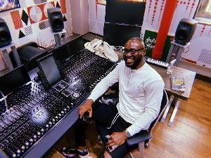 Music executive, Geobek