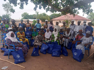 Some of the beneficiaries in a group photo