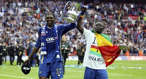 Sulley Muntari with Nigerian star won the FA Cup with Portsmouth