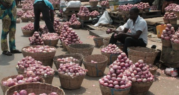 Onion dealers are threatening to stop supply