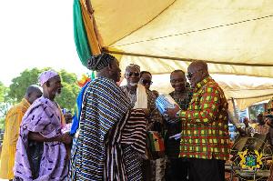 Paramount Chief of Yagaba Traditional Area, Naa Sugru Wuni Mumu with president Akufo-Addo and others