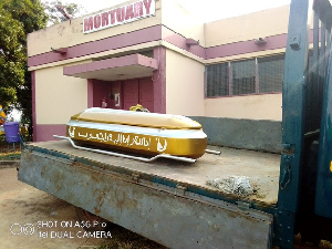 The casket to convey the body at the morgue