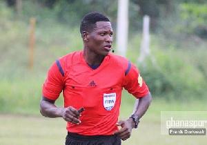 Referee Daniel Nii Ayi Laryea