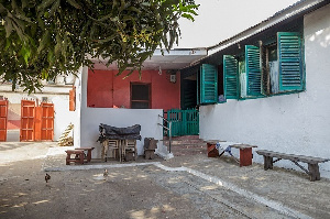 One of the more spacious and well-preserved compound houses in Jamestown-Accra Credit: Nipah Dennis
