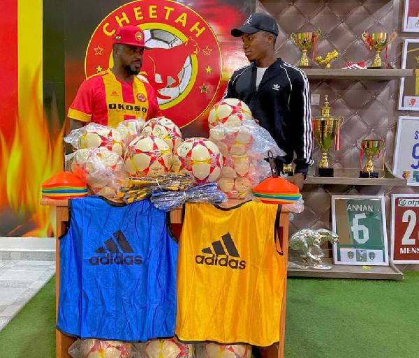 Cheetah FC President donates to musician Kofi Kinaata