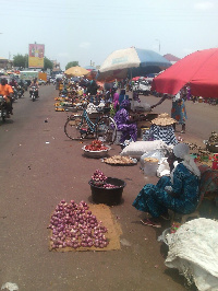 Hawkers occupy streets in Tamale