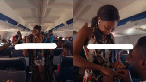 Tracy said yes to her boyfriend on the plane