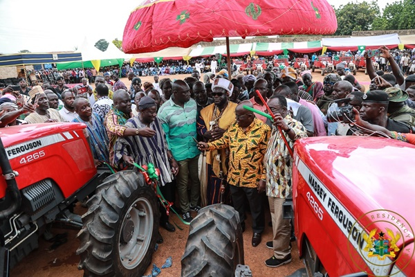 President Akufo-Addo at he Agricultural Mechanisation Centre at Wulensi