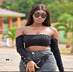 Wendy Shay barges into Tracey Boakye and Mzbel's scuffle