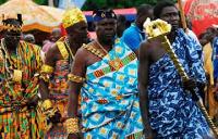 Nene Tetteku Gbadadji I, Asawatse of Agbom launching the festival clothe