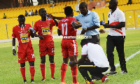 CK Akunnor engages his players in a  tête-à-tête