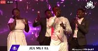 Joe Mettle leads praises at ICGC Watch Night service