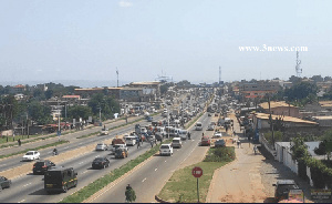 Gridlock around Madina as hundreds begun fleeing Accra ahead of Monday's partial lockdown in parts o