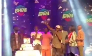 Stonebwoy was presented with the key to a new Kantanka vehicle on his birthday