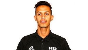 Referee Abdelaziz Bouh