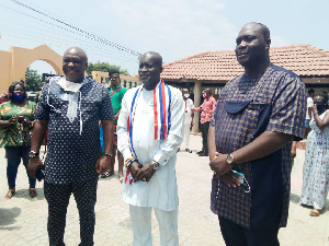 Titus Glover led a high powered delegation to the Tema Traditional Council to beg for forgiveness