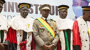 President Goita wit Consitutional Court judges afta im swearing in
