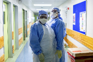 South Africa advises nurses from Zimbabwe to stay and work in their home country