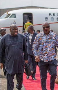 President John Mahama was welcomed at the Murtala Muhammed Int'l Airport by Chief Dele Momodu