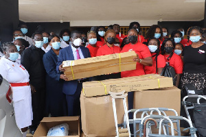 KATH CEO and some officials receiving the donated items