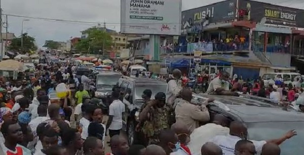 Tumultuous reception for Bawumia in Nima and Mamobi