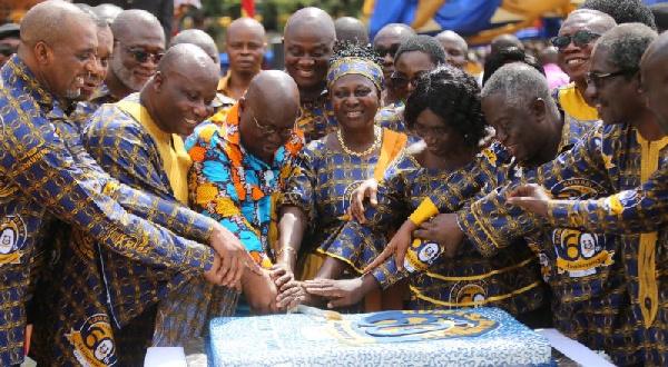 President Akufo-Addo cutting the 60th-anniversary cake