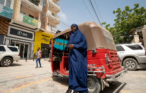 Saynab says she prefers to work in Mogadishu's centre [Noor Mohamed/Al Jazeera]