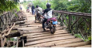 Parents are withdrawing their children from the Abisim-Yeboah JHS because of the bridge