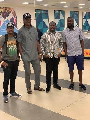 Nigeria football legend, Nwankwo Kanu (2nd left)