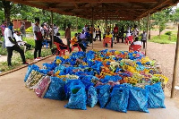 The food items were donated to 600 teachers from 40 private schools