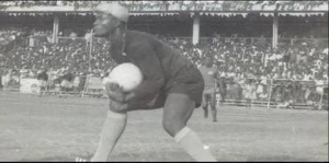 Legendary Ghanaian goalkeeper Robert Mensah