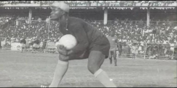 Is Robert Mensah the wee-smoking goalkeeper Osei Kofi spoke about?