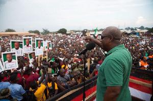 Mahama Campaigns In Walewale3
