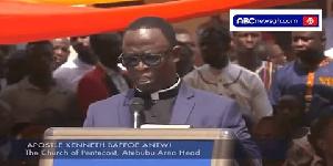 Apostle Kenneth Baffoe Antwi, Atebubu Area Head of Church of Pentecost speaking at the durbar