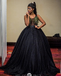 Selly Galley was the red carpet host for 2016 Golden Movie Awards
