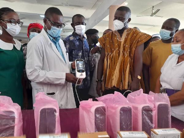 Annoh-Dompreh donates medical equipment worth $20,000 to Nsawam Hospital