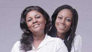 Yvonne Nelson and her mother