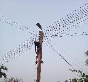 Social Man Hanging 2