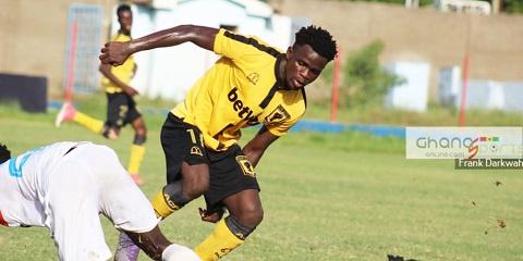 Former AshantiGold midfielder set to join Tunisian side