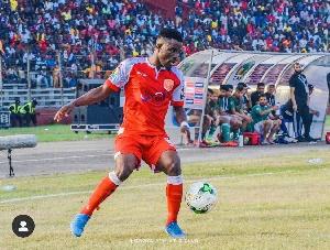 Enock Atta Agyei in action for Horoya AC against Racing Club Abidjan